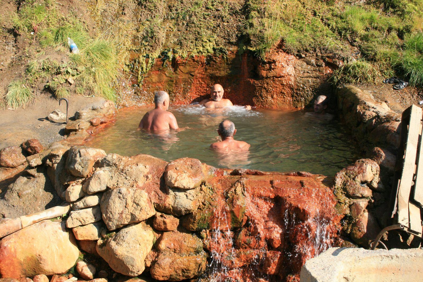 Главная минеральная ванна в Джилы Су
