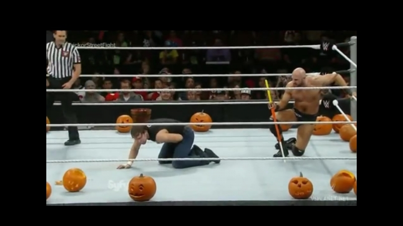 Дин Эмброуз vs Сезаро, Trick or Stree Fight, WWE Smackdown 31.10.2014