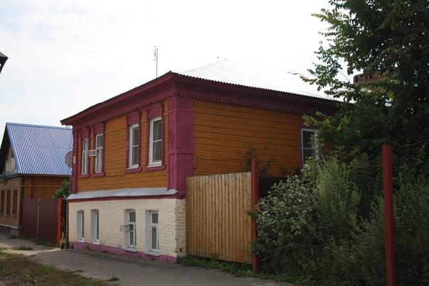 Отреставрированный дом. И даже заборчик уже почти поставлен  Отреставрированные дома: https://vk.com/photo16174219_456261953 https://vk.com/photo16174219_456261976 https://vk.com/photo16174219_456261977