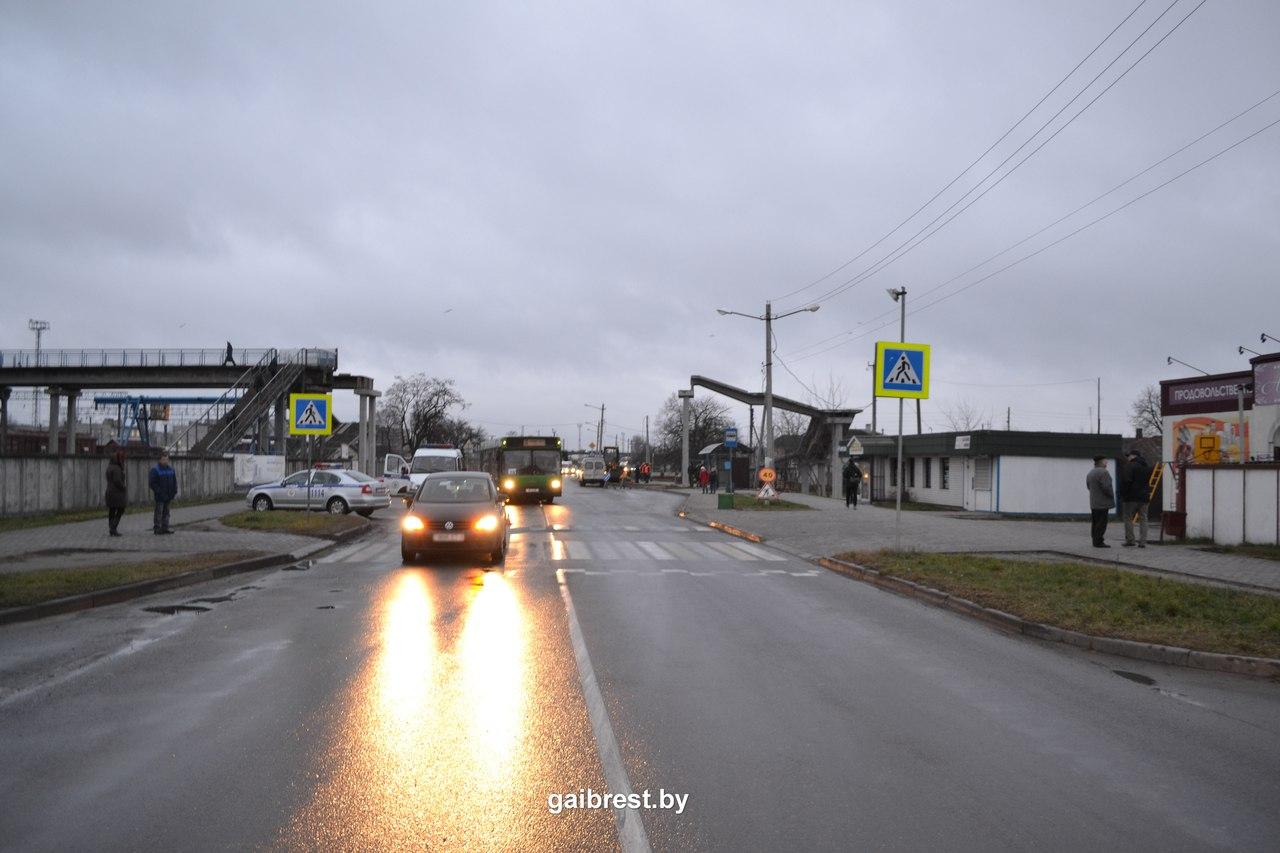 На переходе по ул. Мошенского совершен наезд на женщину