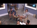 Peões relembram da festa e tentam descobrir quem fez xixi no chão