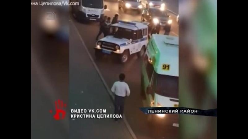 Маршрутчики подарлись из-за пассажиров. 1 человек пострадал, остальные задержаны