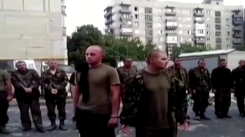 Встреча украинских военнопленных с жителями Снежного (18)