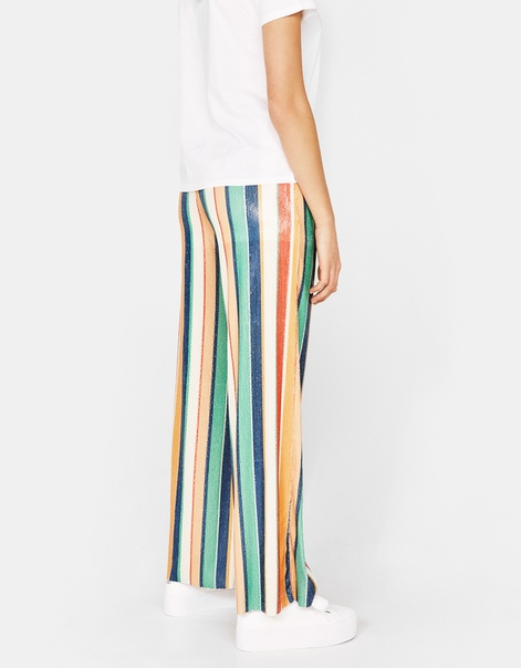 Широкие брюки с рисунком в полоску и пайетками