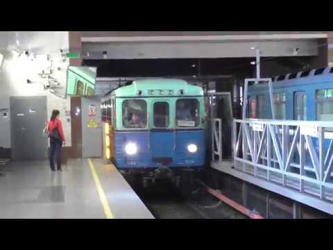 Метропоезд Ем/Е (Ретро) (перегонка). Станция метро Парнас