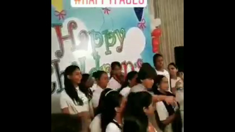Shah Rukh Khan at Childrens Day with a NGO in Mumbai 1