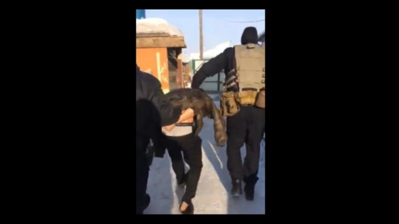 Освобождение 13-летней заложницы из рук наркомана (Часть 2)