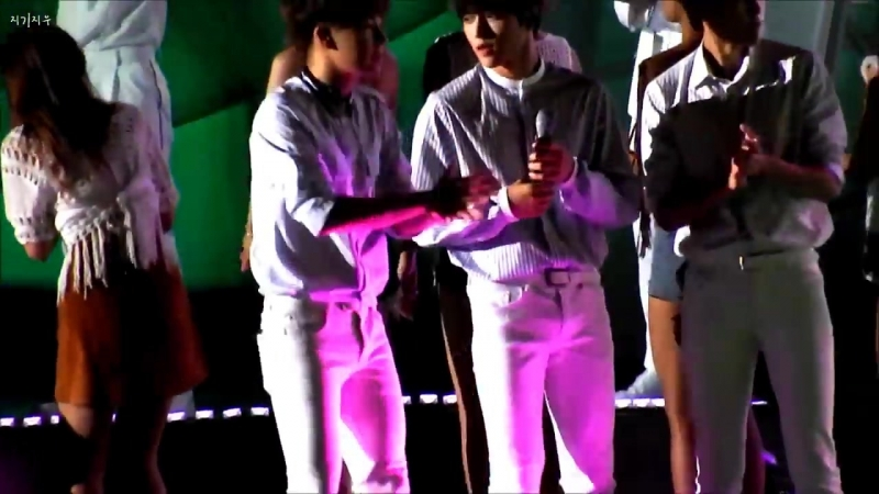 150814 DMZ 평화 콘서트 엔딩 - 신난귀염둥이들 ㅋㅋ(멀미주의ㅠ)