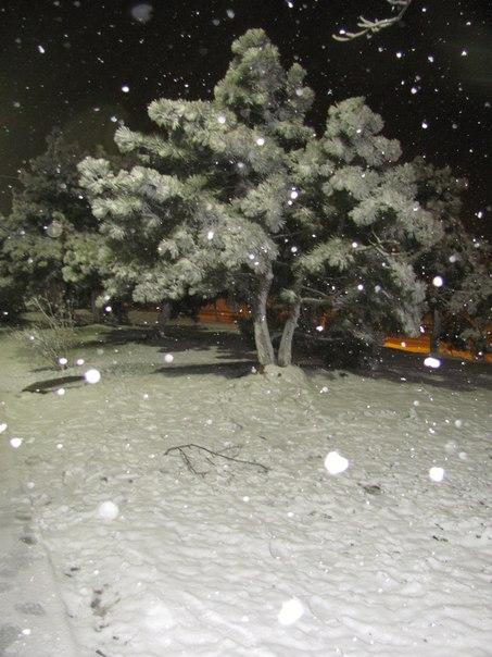 картинка сыплется крупа снега в крыму яшина часто называют