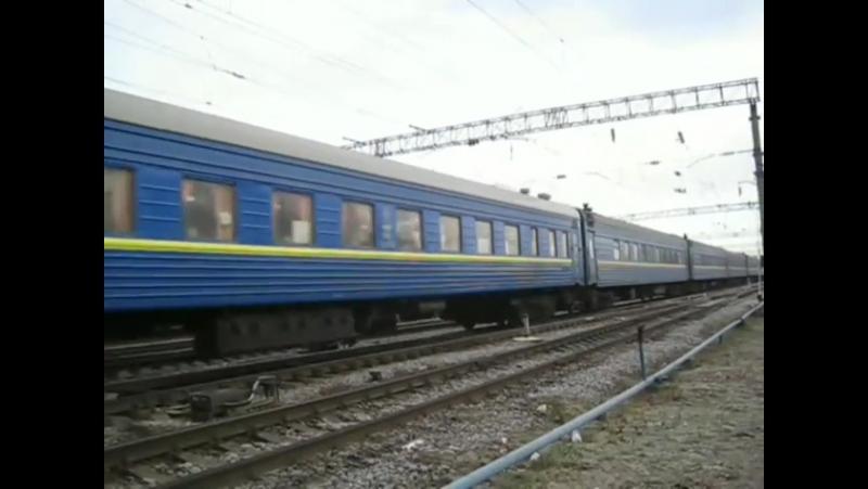 Чс4 з пассажирським потягом ст.Фастів