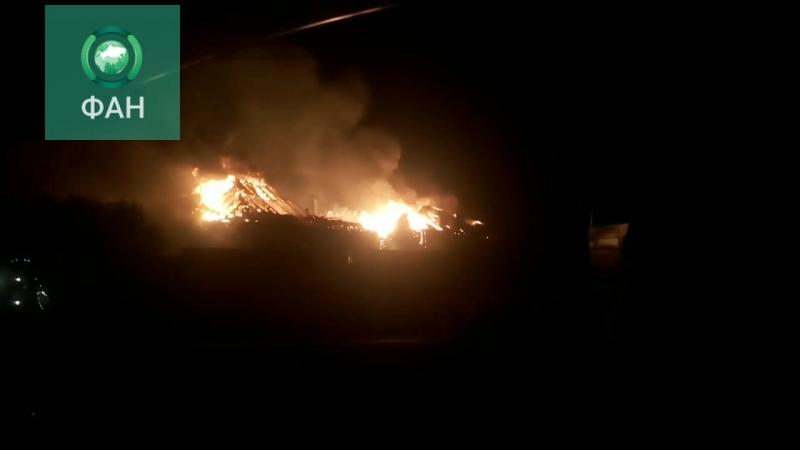 Пожарные тушат крупный пожар в подмосковной деревне Лешково, ФАН публикует видео