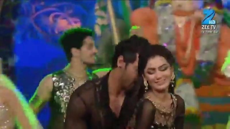 Танец Абхи и Прагьи на церемонии Ганешы сериял Kumdali Bhagya
