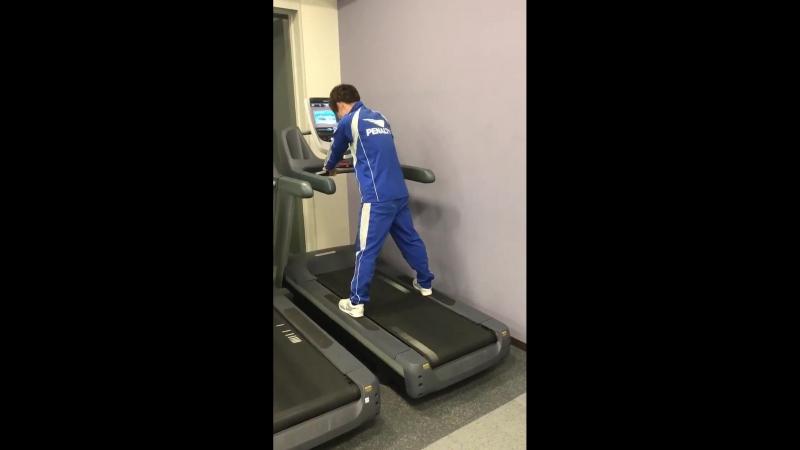 Человек VS беговая дорожка