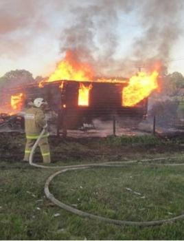 В пеновской деревне сгорел дом