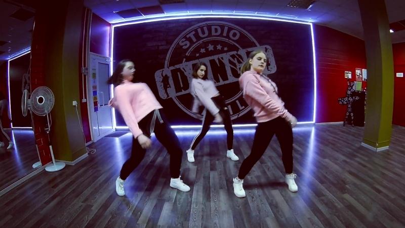 DANCE FAMILY studio The Weeknd – Shameless