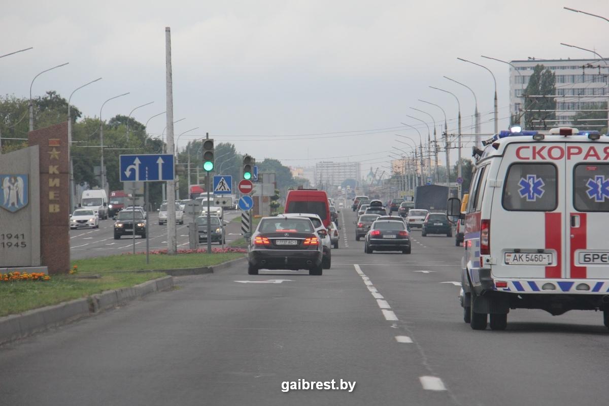 ГАИ проверила, как водители уступают дорогу спецавтомобилям с включенными проблесковыми маячками