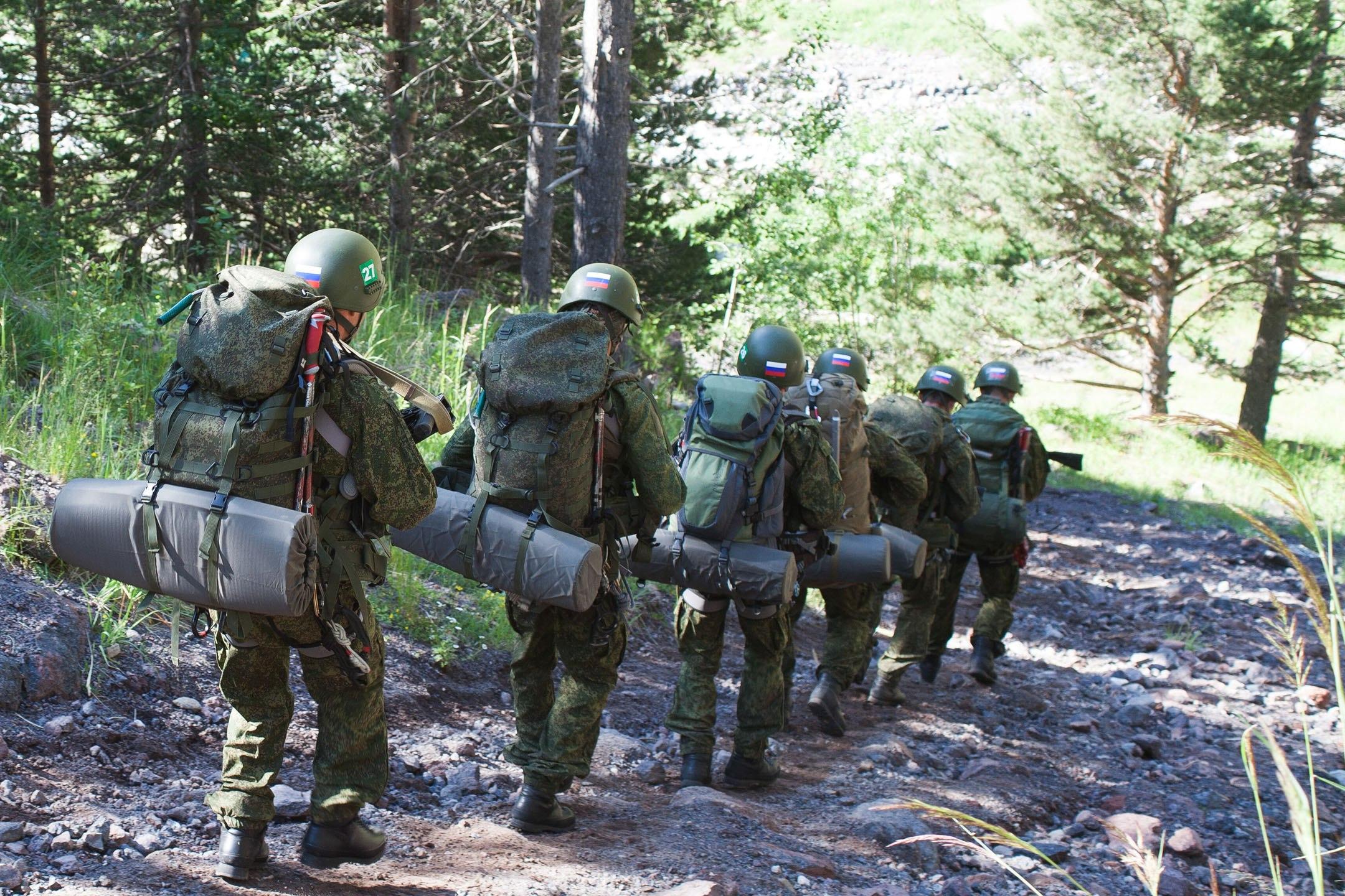 В Зеленчукском районе более 100 военных альпинистов совершат восхождение на гору Пастухова