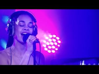 Jorja Smith перепела песню Rihannas Man Down