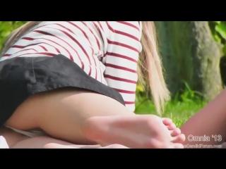 Под юбкой , подсмотрено под юбкой,трусики,подглядки в парке за девушками