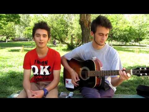 Классно парни поют,голос красивый,талант,спели от души,на гитаре,шикарный голос Типичный Музыкант,Т