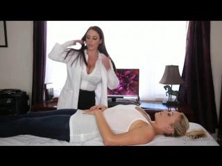 Mia Malkova и Angela White - жамкай её сильнее! (расслабляющий массаж)