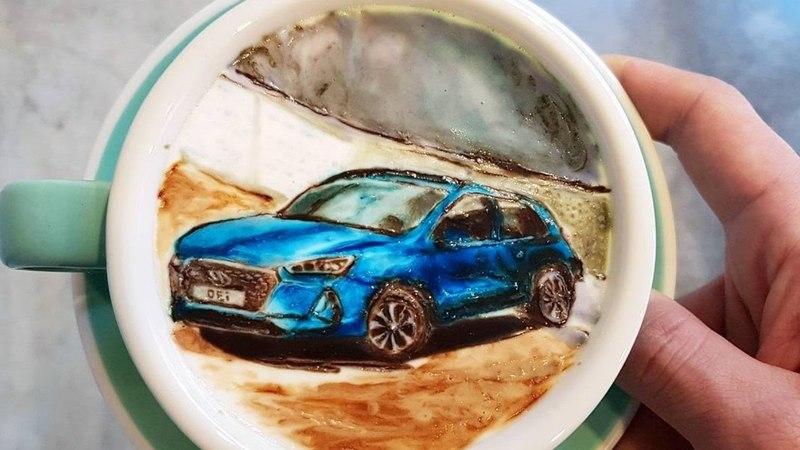 Бариста Мастер 80 Уровня Рисует на Кофе Картины
