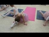 SLs Урок балета для детей. Растяжка. Продольный шпагат. Школа классического танца. Д