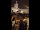 Вечерние пения в центре Питера
