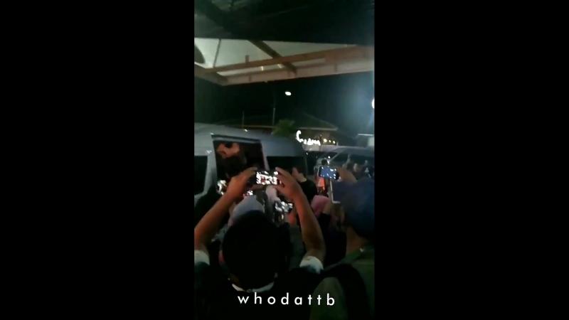 FANCAM 19 07 18 B A P прибыли в аэропорт Адисутжипто Джокьякарта Индонезия