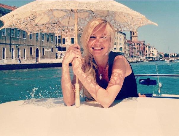 Елена Корикова восхитила поклонников венецианской фотосессией