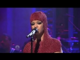 Rihanna - Russian Roulette (live on Saturday Night Live, 05.12.2009)