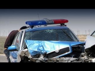 ? [ВИДЕО] ⚡ В Усть-Каменогорске машина полиции снесла ограждение !
