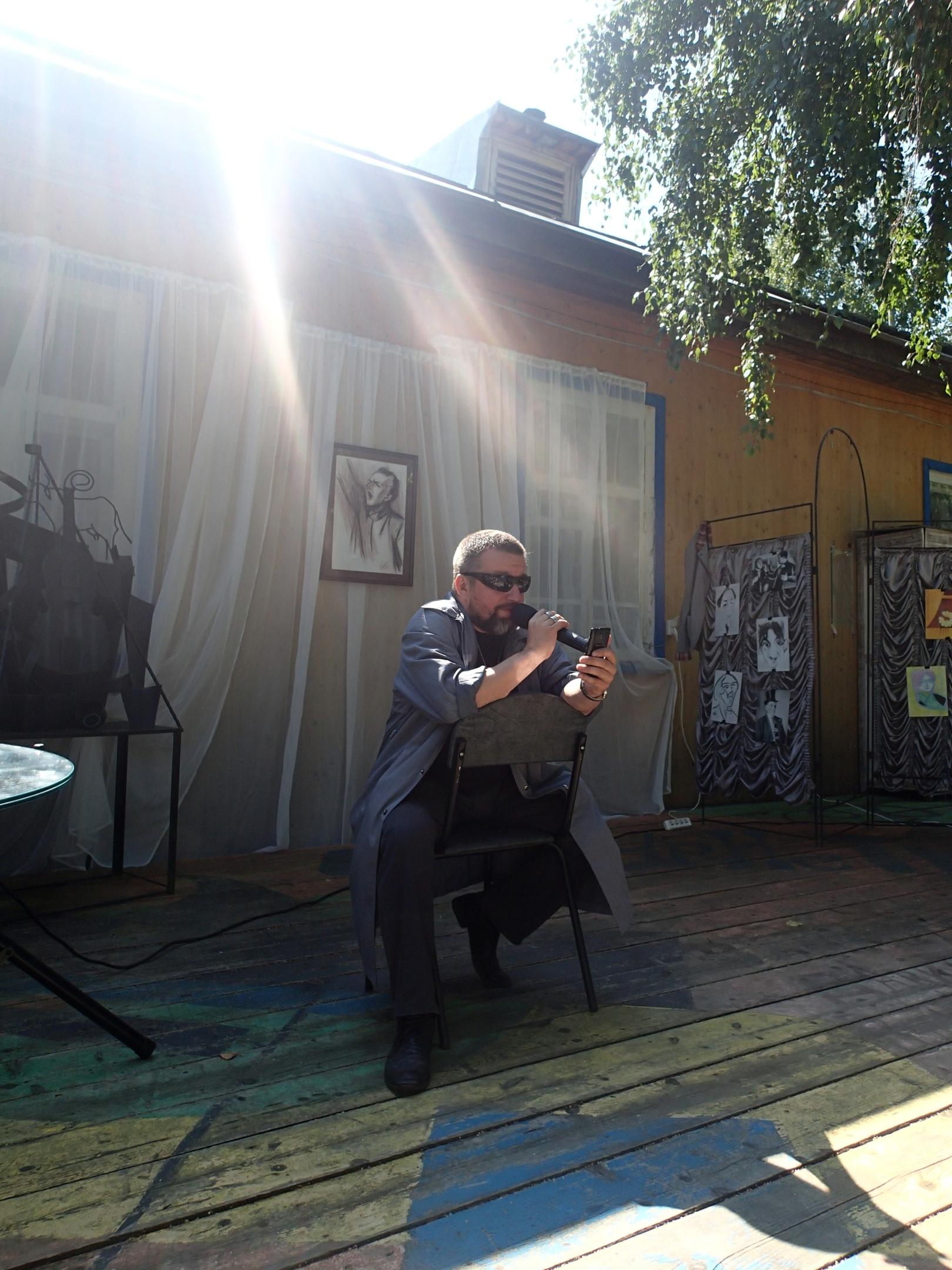Победитель в поэтическом слэме Андрей Мансветов