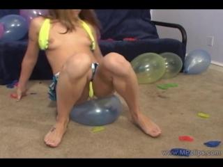 Воздушные шарики шары balloon blow fetish girl looner надувной фетиш лопать надувать винил burst