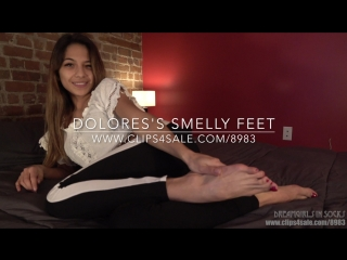 Dolores's smelly feet - (dreamgirls in socks)