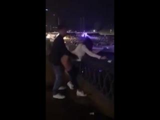 Саша Травка и Настя Рыбка секс на набережной в Москве в 5 утра 3 - порно шлюха сосет анал Лесли