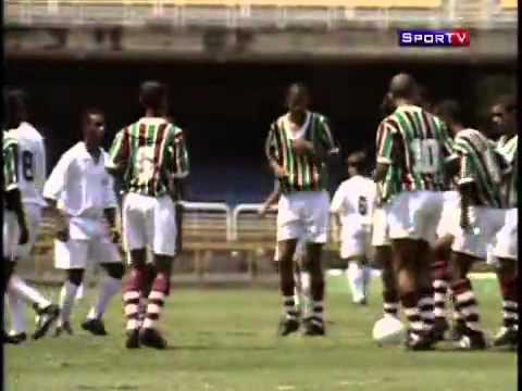 Gol de Placa de Pelé completa 50 anos