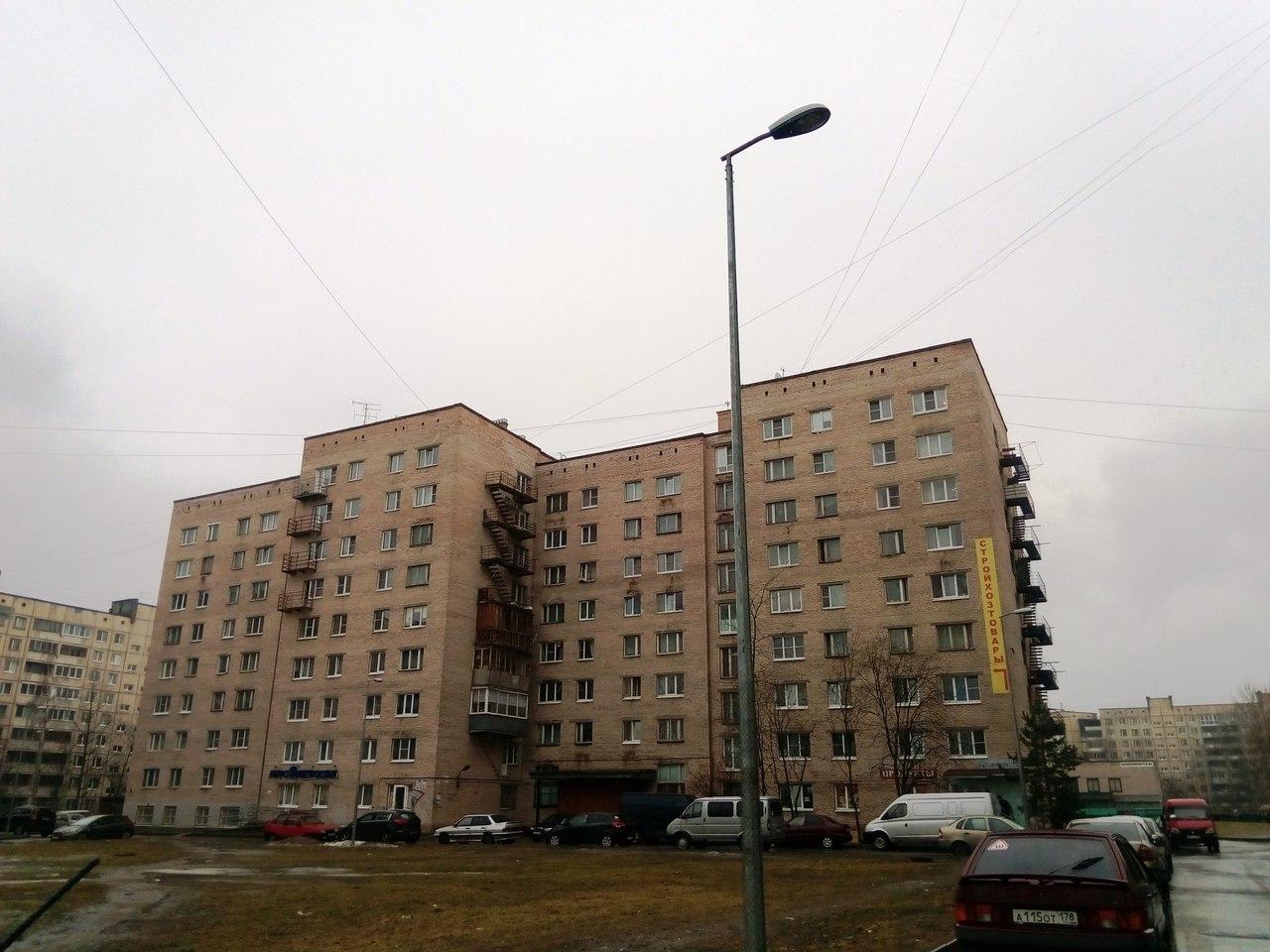 Просторная трехкомнатная квартира по отличной цене! SHK-3a-T9A8