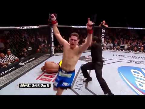 Страшные травмы в ММА (Боях без правил). Жесть! Слабонервным не смотреть! Terrible injuries in MMA
