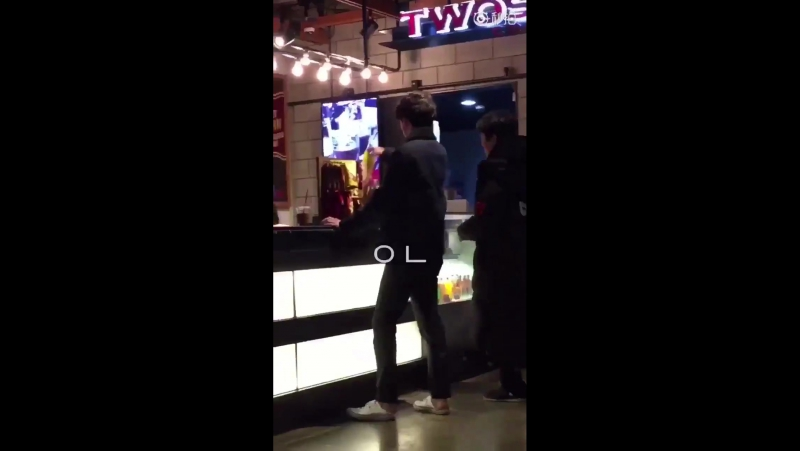180122 Sehun was spotted going for a movie with his friend