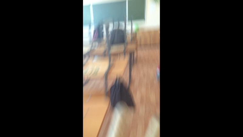 Гаврин задрот в школе живёт