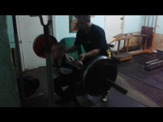 присед со штангой, 100 кг, за 7 месяцев тренировок