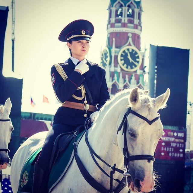 Сотрудница российской конной полиции понравилась японцам