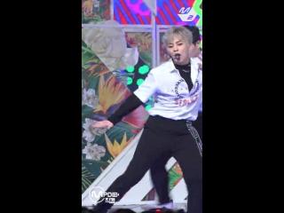 [MPD직캠] 엑소 첸백시 시우민 직캠 花요일(Blooming Day) (EXO-CBX XIUMIN FanCam) ¦ @MCOUNTDOWN_2018.4.12
