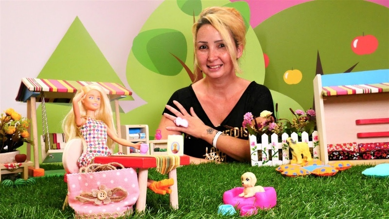 Barbie oyun videoları. Özgenin kafesinde Barbieye iş teklifi