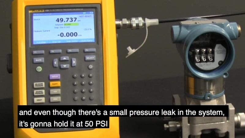 Fluke 729 компенсирует утечки давления