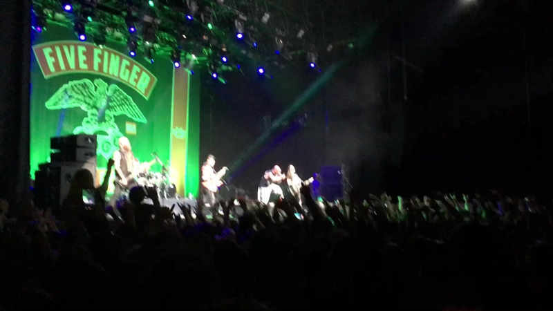 Five Finger Death Punch - Jekyll And Hyde 09.11.17 Moscow
