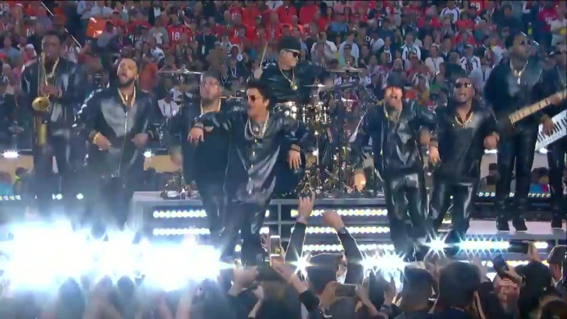 Coldplays FULL Pepsi Super Bowl 50 Halftime Show feat. Beyoncé Bruno Mars! - NFL (1)