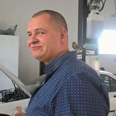 Влад Петров