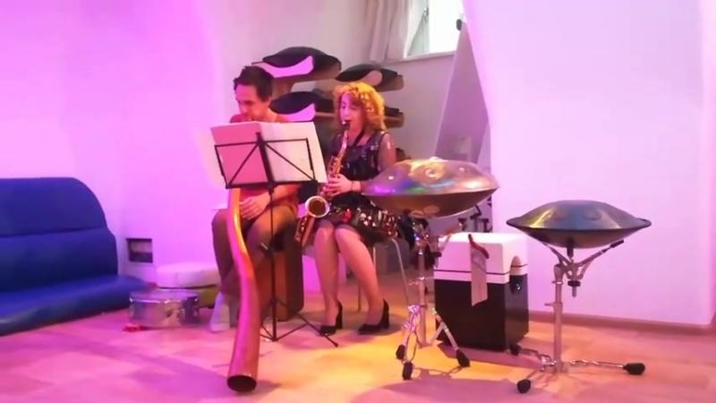 Saxophone and Didgeridoo. Improv. Viktoria Vear and Ladomir Trunov